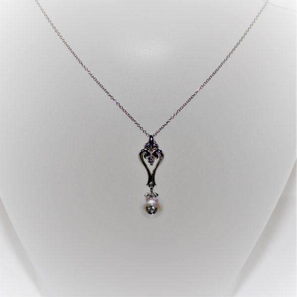 14K White Gold Galatea Diamond in a Pearl Necklace