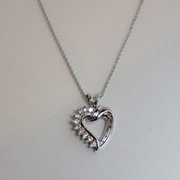 14K White Gold 0.25ct Diamond Heart Pendant