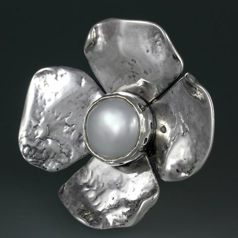 Sherry Tinsman Sterling Silver Pearl Flower Ring